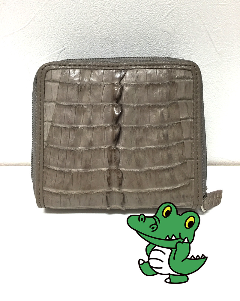 クロコダイルレザー両面開き二つ折り財布